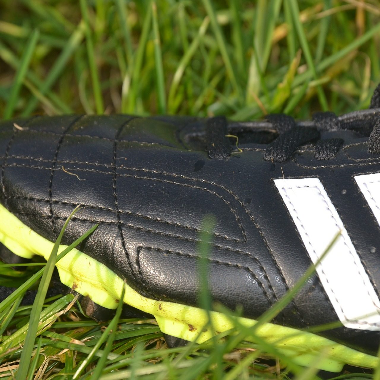 football-boots-487007_1920